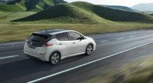 Nye Nissan LEAF elbil i naturlandskap