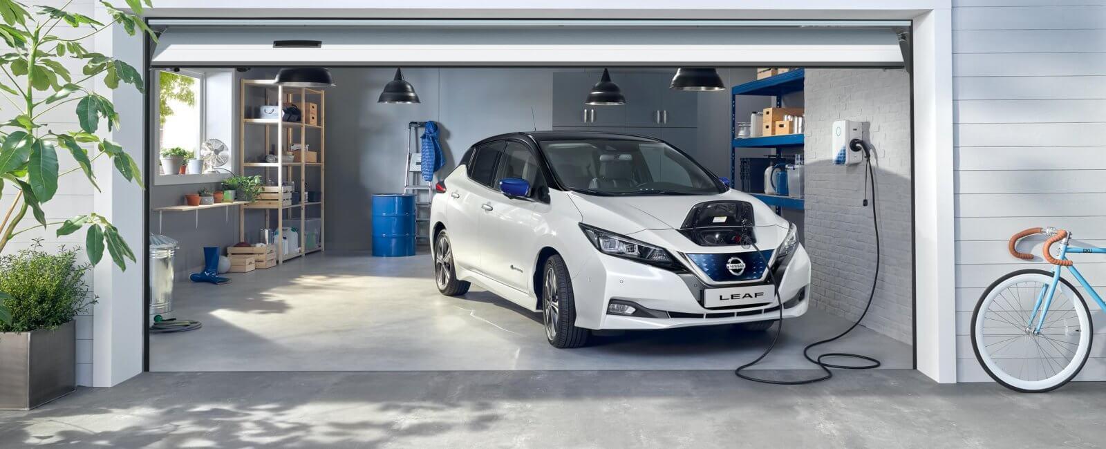 Nissan LEAF 62kWt på lading
