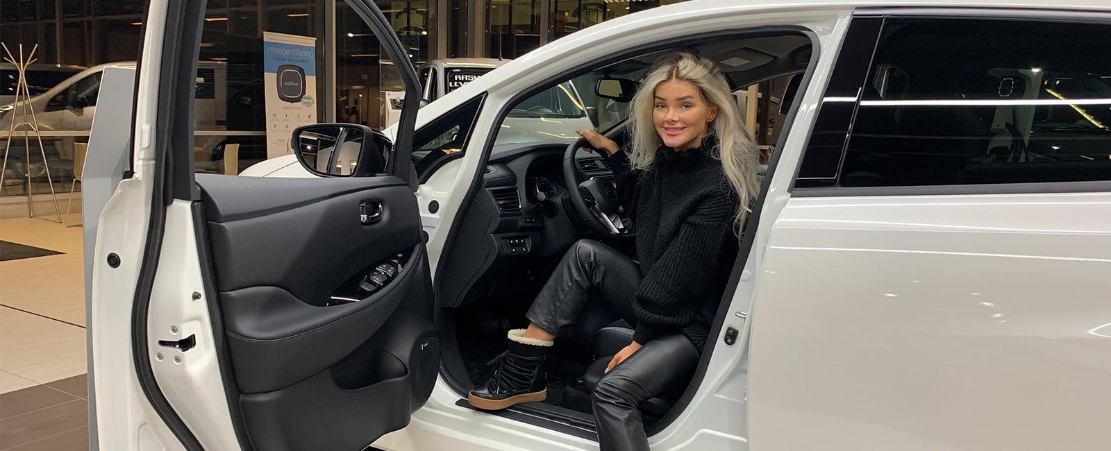 Sophie Elise kjører Nissan LEAF